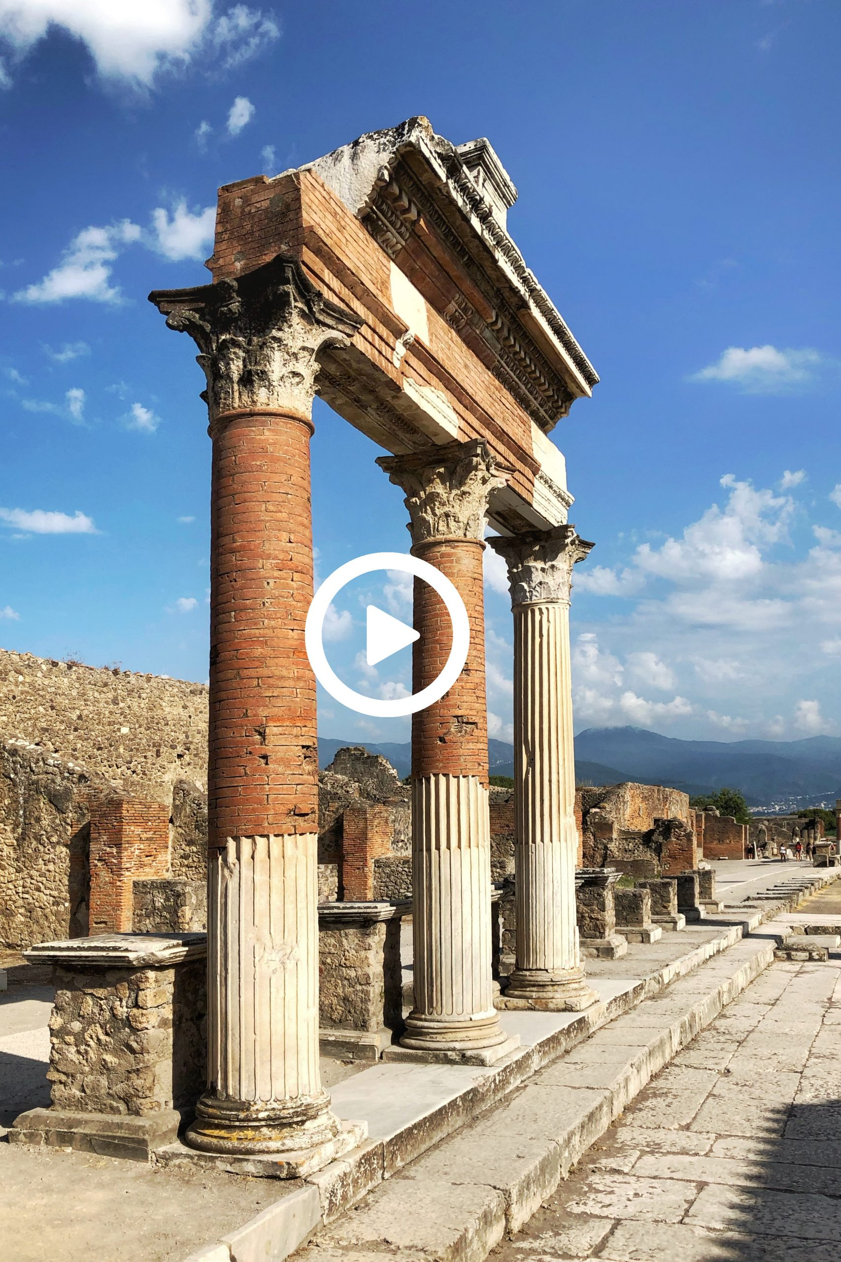 Pompei: the most alive of the dead cities